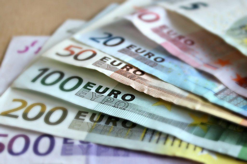 mehrere euro geldscheine